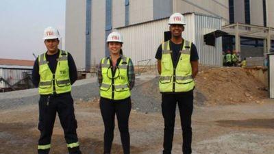 Construcción de las Oficinas de Gobierno brinda oportunidades laborales a los jóvenes