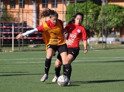 Ensayo de fútbol como actividad principal