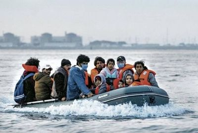 Tensión entre el Reino Unido y Francia por el cruce de inmigrantes en el Canal de la Mancha