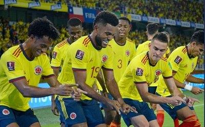 Colombia arrolla a Chile y aprieta la clasificación a Catar 2022