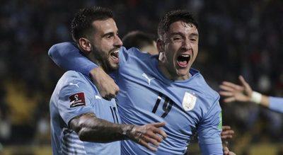 Uruguay derrota a Ecuador y trepa hasta el tercer lugar de las Eliminatorias