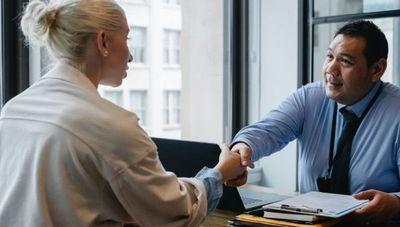 ¿Qué poner y qué no en un currículum? Tips básicos para no ser descartado en el intento