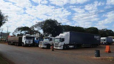 Paro fiscal en Brasil: Unos 2.000 camiones varados en frontera