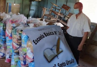 Distribuyen kits de alimentos para el almuerzo en familia en 3 de Mayo y Coronel Maciel