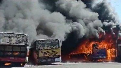 Incendio en la parada de la Línea 27 en Capiatá