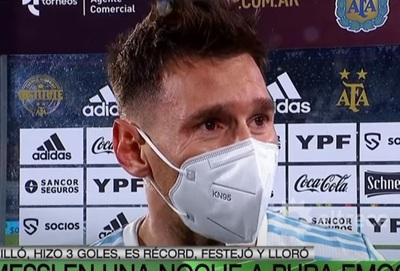 Messi se emociona hasta las lágrimas tras triplete