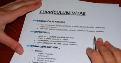 La Nación / Señalan errores comunes en la elaboración del currículum