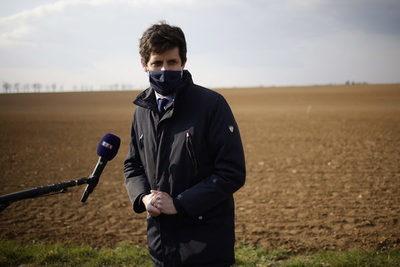 El ministro de Agricultura francés cuestiona la calidad de la carne brasileña