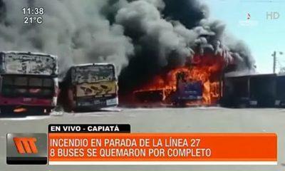 Incendio en parada de la Línea 27 afectó a nueve buses