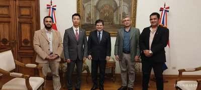 Gobernador mantuvo una importante reunión con el Canciller Nacional