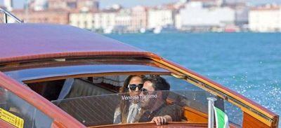 JLo y Ben Afleck desembarcan en Venecia y deslumbran al público