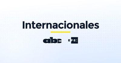 El colombiano Petro presenta su campaña en plaza pública hablando de ambiente