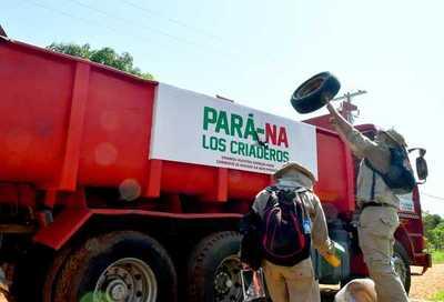 """""""Pará-na los criaderos"""": trabajos de rastrillaje y fumigación continúan."""
