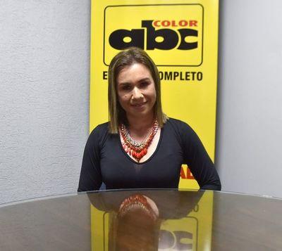 Soi Singer, la cantante paraguaya que persigue el sueño de los Billboard Latinos