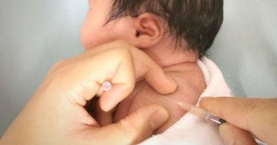 Instan a padres a completar el esquema regular de vacunación de los niños