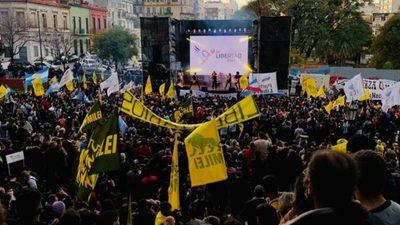"""ARGENTINA: Javier Milei cerró su campaña ante más de 20mil personas: """"Vamos a sacar a la casta política"""""""