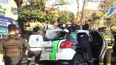 Hombre choca contra columna sobre Mariscal López
