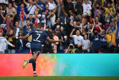 Sin Messi ni Neymar, el PSG goleó y continúa imparable