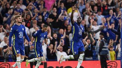 Romelu Lukaku se estrena con doblete en Stamford Bridge
