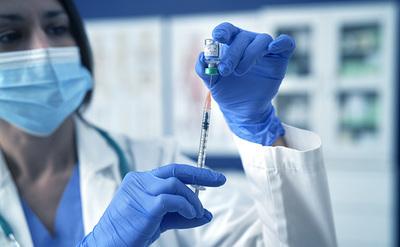 La inmunidad de las vacunas contra el COVID-19 no dura toda la vida