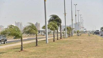 Alertan sobre fuertes ráfagas de vientos de hasta 80 km/h