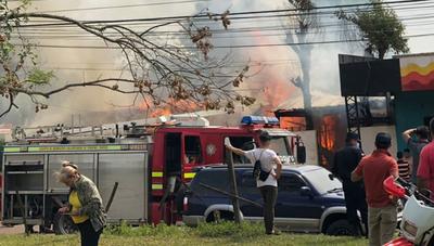 Incendio de vivienda en el barrio 12 de Junio