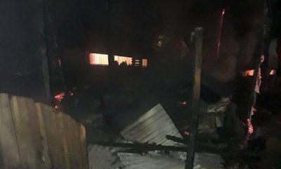 Vivienda convertida en cenizas tras incendio provocado