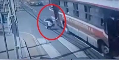 Fallece Liz, la joven que cayó de un bus siguiendo a un ladrón