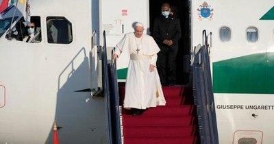 La Nación / Francisco llegó a Eslovaquia con su mensaje de paz