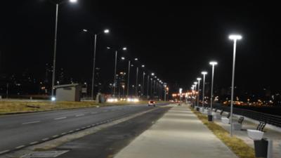Denuncian falta de iluminación en Costanera Norte