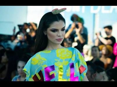 Nadia Ferreira brilló en el New York Fashion Week (video)