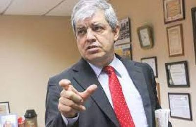 Riera cree que pedido de pérdida de investidura contra Arévalo se daría después de las municipales