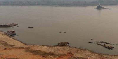 Hallan el cadáver de una mujer a orillas del río en Limpio con rastros de violencia