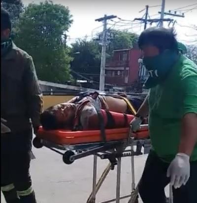 Chocó por una moto dejando serias lesiones al motociclista y huyó del lugar