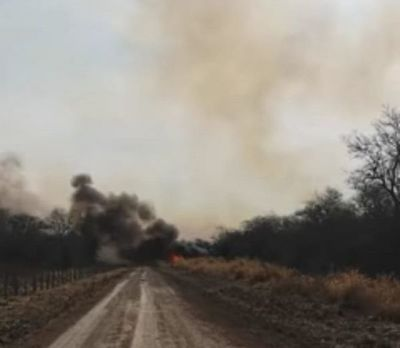 Fuego arrasa con parte de una estancia en Carmelo Peralta