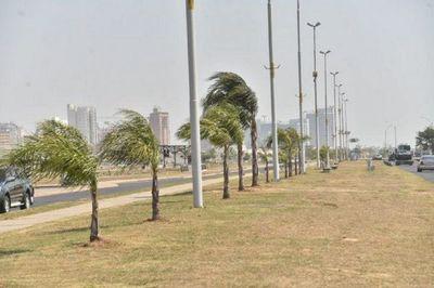 Se registran ráfagas de viento del norte de entre 40 y 80 km/h