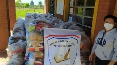 Caazapá: Continúa la entrega de Kits de alimentos en 3 de Mayo