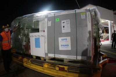 Paraguay recibe 306.900 dosis de AstraZeneca donadas por España