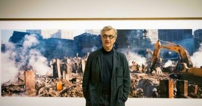 La Nación / Wim Wenders expone sus fotografías apocalípticas del 11-S