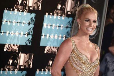 Britney Spears anuncia que se va a casar con modelo y entrenador personal