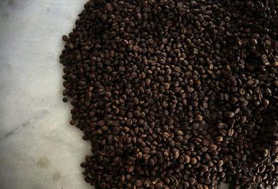 La exportaciones de café en Brasil caen 25 % en agosto por problemas logísticos