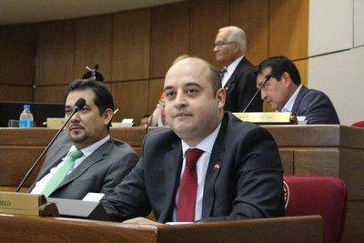 Afirman que hasta el momento no hay pedido de pérdida de investidura contra Arévalo