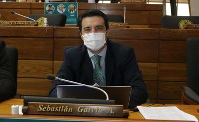 """Nos querían hacer callar por denunciar corrupción, vamos por buen camino"", afirma diputado García"