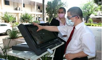 TSJE inicia etapa de verificación del TREP y de audiencia de pantalla de voto