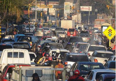Plantean cobro de peaje a vehículos que ingresan a Asunción