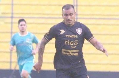Crónica / Agónica victoria de Atlético Tembetary