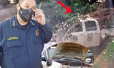 """Móvil policial hace un año está tirado bajo un árbol, pero """"sigue cargando combustible"""" – Diario TNPRESS"""