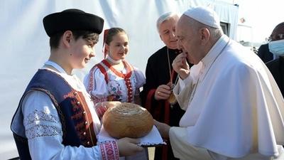 """Francisco pidió que el cristianismo no se transforme en """"un símbolo político"""""""
