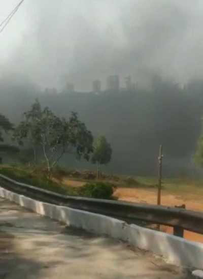 Desaprensivos arrojan basura al río Paraná o las queman