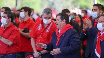 Mario Abdo y Cartes escenifican unidad colorada ante comicios municipales